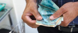 Antecipação de salário: como funciona esse benefício?